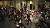 Flirt dance seven nation army profi