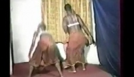 Mapouka two girls booty dance