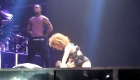 Rihanna Giving Out A Lap Dance Grinding Hard Must See