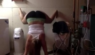 White girl wall twerk