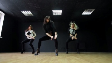 High heel dance